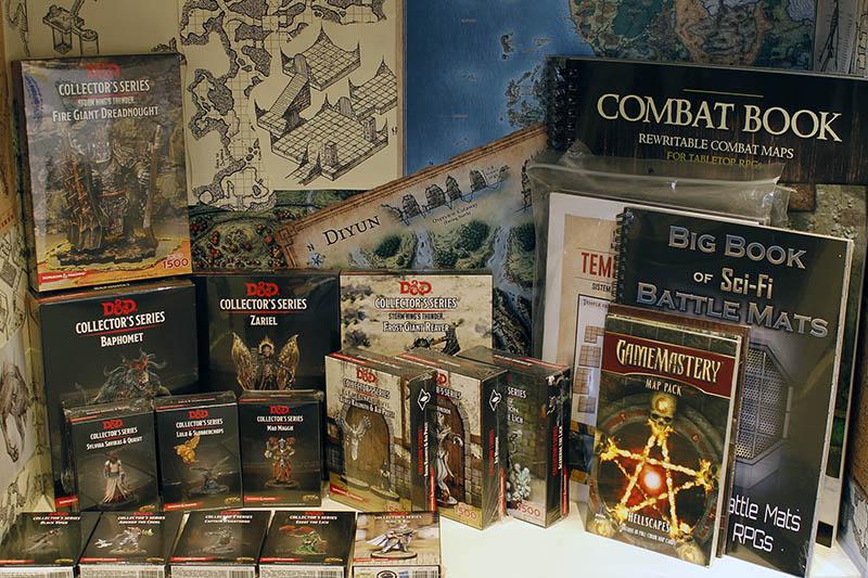 Avalon Roma - Negozio di giochi a Roma - Scaffali entrata- Dungeons and Dragons